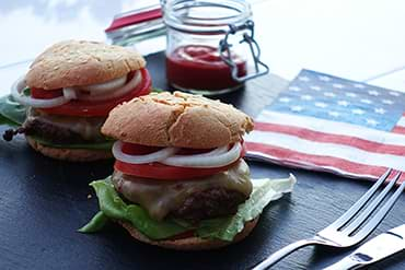 Leckerer Low Carb Burger im USA Style